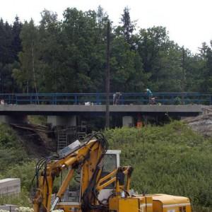 Brücke über die Bahn bei Knau